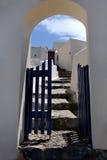 Santorini-Tür lizenzfreie stockfotografie
