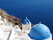 Santorini tegen Dag Royalty-vrije Stock Afbeeldingen