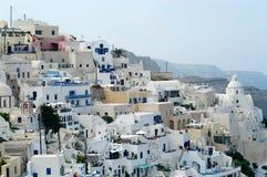 Santorini tegen dag Stock Afbeelding