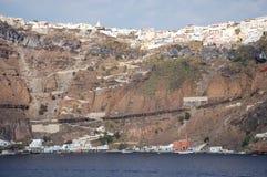 Santorini vom Meer Stockbilder
