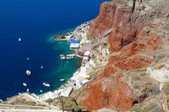 Santorini wyspa przy zmierzchem, punkt widzenia od Oia wioski, Santorini, Grecja zdjęcie stock