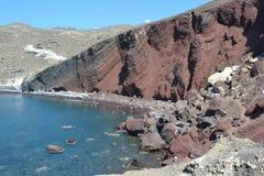 Santorinis-Rot-Strand Lizenzfreie Stockfotos