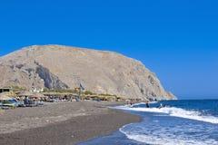 Santorinis strand Arkivbilder