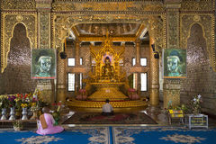 Buddha - pagode de Botatung - Yangon - Myanmar Fotografia de Stock