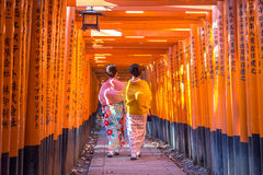 Santuário de Fushimi Iniari em Kyoto, Japão fotos de stock