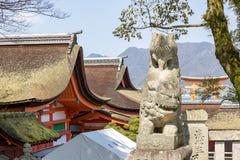 Santuário de Itsukushima, guardiães de pedra Foto de Stock Royalty Free