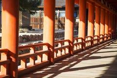Santuário de Itsukushima na ilha de Miyajima, Japão fotografia de stock