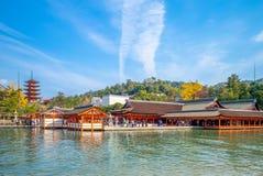 Santuário de Itsukushima na ilha de Miyajima, Hiroshima, Japão foto de stock royalty free