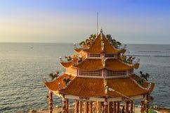 Santuário de Kuan im perto do mar Foto de Stock
