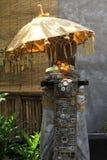Santuário de pedra pequeno do Balinese típico fotos de stock royalty free