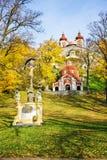 Santuário do Wayside com Jesus Christ no complexo do calvário em Banska Stiavnica durante o outono, UNESCO ESLOVÁQUIA fotos de stock royalty free