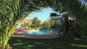 Santuário tropical da piscina vídeos de arquivo