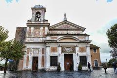 Santuario antico di Madonna di amore Divine sul da piovoso nuvoloso fotografie stock libere da diritti