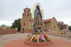 Santuario De Guadalupe - gammal beskickningkyrka - Taos, NM royaltyfri bild