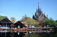 Santuario de la verdad situado en Pattaya Fotografía de archivo