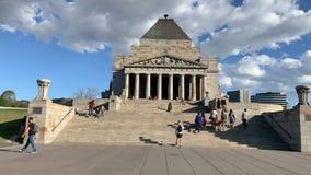 Santuario del ricordo nell'orbita del carrello di Melbourne stock footage
