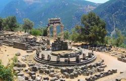 Santuario di Atena Tempio di Athena Pronaia, Delfi, Atene, Grecia fotografie stock
