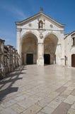 Santuario di Monte Sant'Angelo. La Puglia. L'Italia. fotografia stock libera da diritti