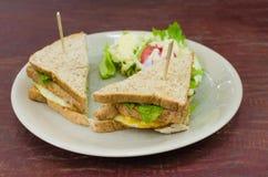Sanwich met kip, kaas en groenten Stock Fotografie