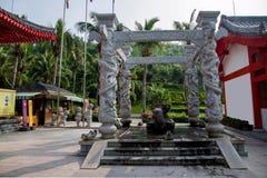 Sanya Nanshan Buddhist Tantric kiosk som ägas av Ito Yokado som handwashing Royaltyfri Bild