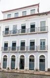 Sao azul Luis Maranhao Brazil de la fachada de la teja Fotografía de archivo