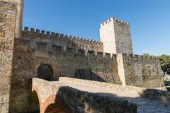 Sao Jorge Castle dentro da vista O castelo é ficado situado no hist Imagem de Stock