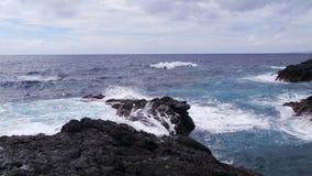 Sao Miguel Açores da praia da rocha da lava Imagens de Stock Royalty Free