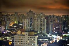 Sao Paulo bij nacht Stock Afbeeldingen