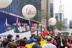 Sao Paulo, Brésil - avril, 28 2017 Grève nationale au Brésil Image libre de droits