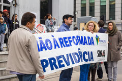 Sao Paulo, Brasil - abril, 28 2017 Greve de âmbito nacional em Brasil Fotografia de Stock Royalty Free