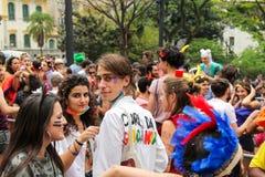 Sao Paulo, Brasil - outubro, 20 2017 Sabido como Peruada, é o partido de rua tradicional organizado pela escola de direito de USP fotografia de stock