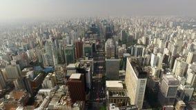 Sao Paulo Brasilien, Augusti, 2017 Flyg- sikt på den Paulista avenyn, i den Sao Paulo staden stock video