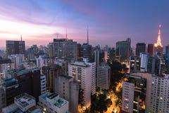 Sao Paulo stad på natten Arkivbilder