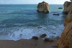 Sao Rafael Beach dans Albufeira portugal Photographie stock