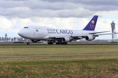 Saoediger - de Arabische vliegtuigen van de Lading stock fotografie