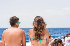 SAONA, REPÚBLICA DOMINICANA - 25 DE MAIO DE 2017: Homem e mulher fora Vista traseira Copie o espaço para o texto Imagens de Stock Royalty Free