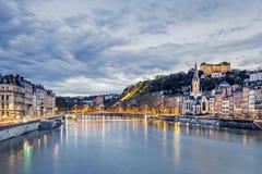 Saone River i den Lyon staden på aftonen Royaltyfria Foton