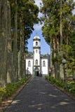 SaoNicolau kyrka på Sete Cidades, Ponta Delgada, Azores arkivfoto