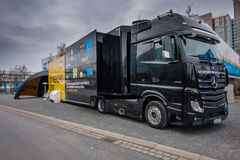 SAP gaat voorbij CRM-de tribunes van de manifestatievrachtwagen in CeBIT Stock Foto's