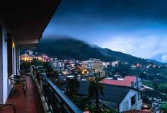 Sapa市看法从旅馆在晚上, Sapa,老街的, 库存图片