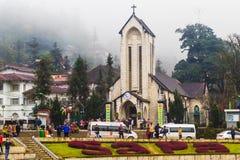 SAPA, ВЬЕТНАМ - 1-ОЕ ЯНВАРЯ 2018: Каменная церковь в центре города в Sapa, Вьетнаме Sapa красивый, гористый городок в северном Вь Стоковые Фото