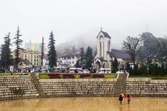 SAPA, VIETNAM - 1. JANUAR 2018: Steinkirche am Stadtzentrum in Sapa, Vietnam Sapa ist eine schöne, Gebirgs- Stadt in Nord-Vietnam Stockbild