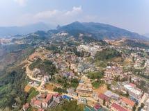 SAPA, VIETNAM - 5 MARS 2017 : Vue de ci-dessus de la ville Sapa au Vietnam du nord-ouest La ville Photos stock
