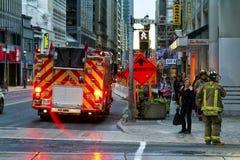 Sapadores-bombeiros na cena Fotografia de Stock Royalty Free