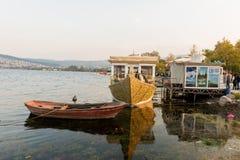 Sapanca sjö, en populär destination för lokaler och turister Kocaeli kalkon Arkivbild