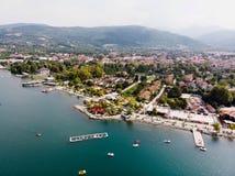 Sapanca sjö i Sakarya/Turkiet/Pedalo Arkivfoton