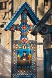 Sapanta快活的公墓, Maramures,罗马尼亚 那些公墓是独特的在罗马尼亚和在 库存照片