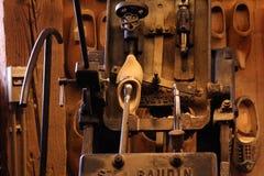 Sapata de madeira que faz o dispositivo Foto de Stock