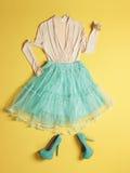Sapatas azuis dos saltos altos da mulher Imagem de Stock Royalty Free