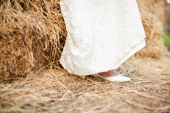 Sapatas da noiva do casamento Fotos de Stock Royalty Free